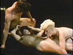 مدل باریک عكس كير و كون برای رابطه جنسی مقعد آماده است